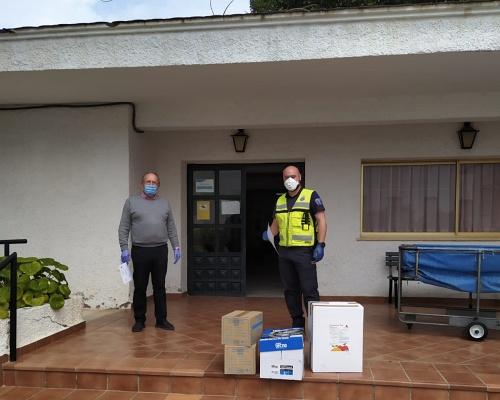 Diputación reparte mascarillas y guantes a los municipios de Almería