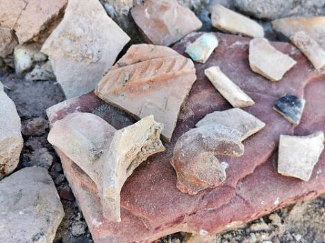 Afloran nuevos restos arqueológicos en el entorno del Cerro del Espíritu Santo de Vera
