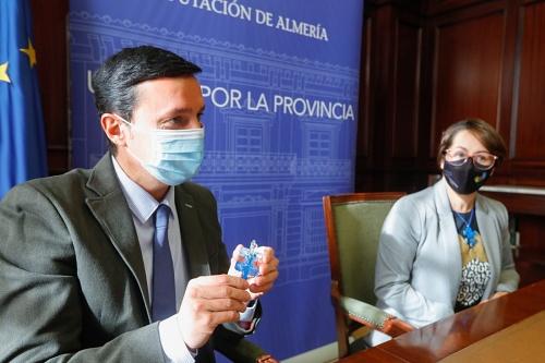 Diputación apoya a ASTEA Autismo Almería en 'La pieza de mi puzle eres tú'