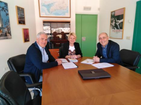 El Alcalde de Huércal Overa pide a Cultura la declaración de las Cuatro Torres como BIC