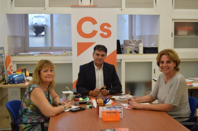 Cs Almería pide al equipo de Gobierno continuar con el convenio de Cáritas-Koopera