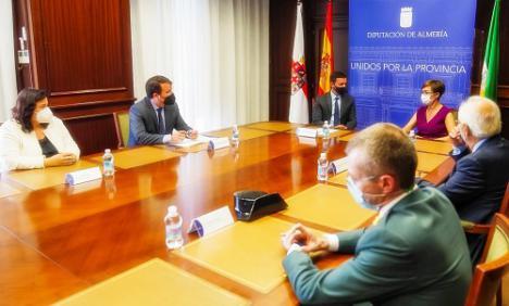 El presidente de Diputación recibe a la directora general de la Guardia Civil