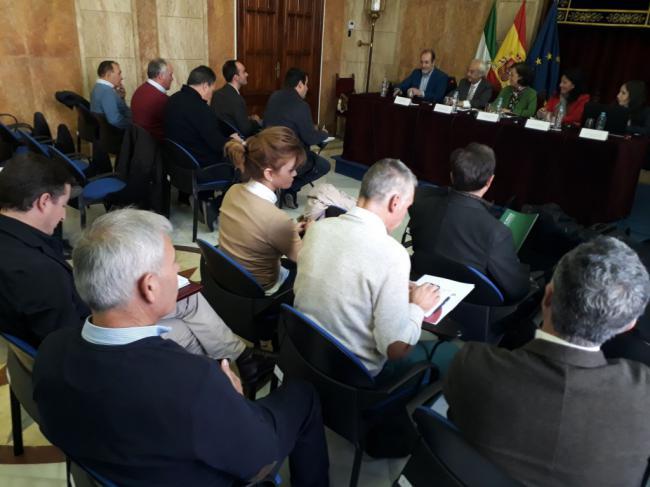 Analizan la crisis de precios del pepino en Almería