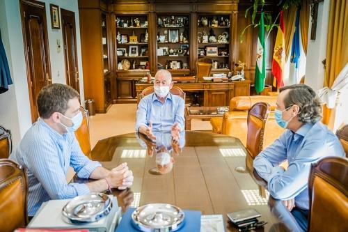El PP de Almería pide a Sánchez que elimine la cuarentena a los turistas