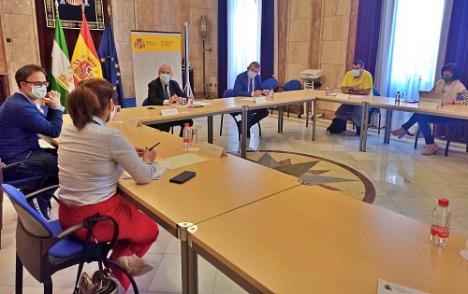 El subdelegado del Gobierno recibe a representantes de las organizaciones agrarias