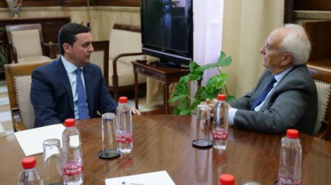 Primer encuentro institucional entre el subdelegado y el nuevo presidente de Diputación