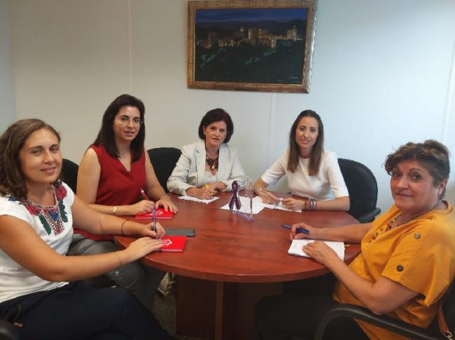 Diputación apoya a AMFAR Almería en un concurso de fotografía con motivo del 25N