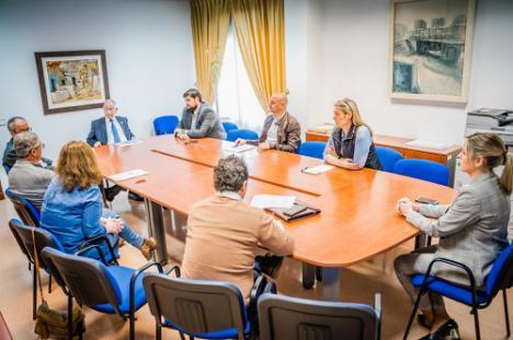 Ayuntamiento de Roquetas y concesionarias reorganizan servicios por el coronavirus