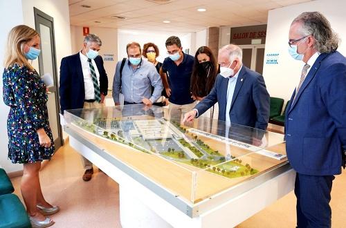 La dirección de Torrecárdenas visita Roquetas para interesarse sobre el proyecto de nuevo Hospital