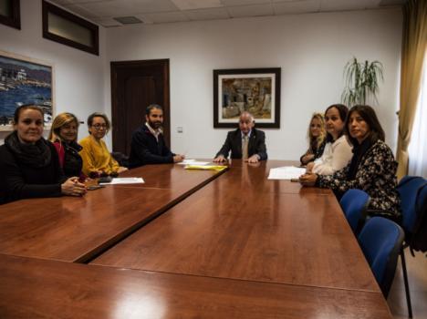 El alcalde de Roquetas trata con las AMPAs de los CEIP Posidonia y Las Salinas el futuro IES de Las Salinas