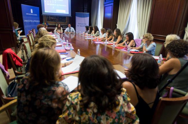 Las diputaciones andaluzas coordinan la estrategia en igualdad desde Almería