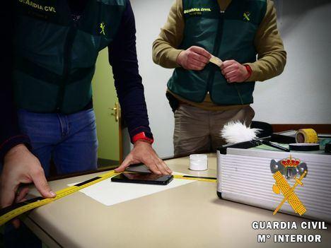 """La Guardia Civil pilla a un """"murciglero""""sorprendido """"in fraganti"""""""