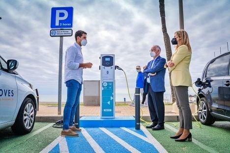 3 puntos de recarga gratuita para vehículos eléctricos en Roquetas de Mar