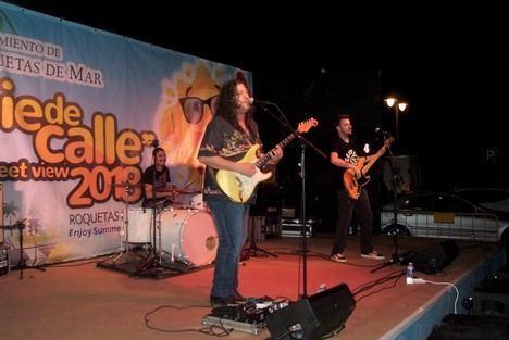 Santiago Campillo sorprende al público en Aguadulce con un extraordinario concierto acústico