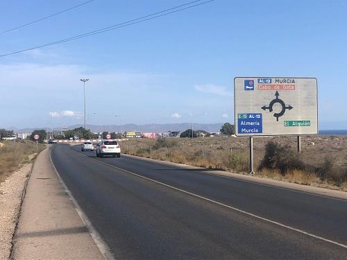El Ayuntamiento invertirá un millón de euros la señalización viaria de Almería