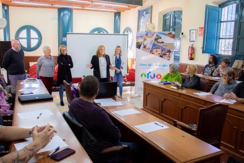 El Ayuntamiento de Níjar facilita el distintivo SICTED al sector turístico