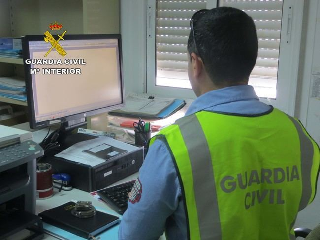 La Guardia Civil detiene a una persona por simular la sustracción de su vehículo