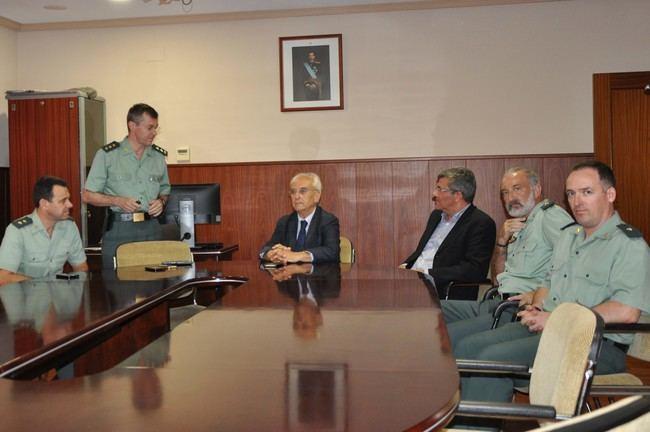El Subdelegado del Gobierno visita la Comandancia de la Guardia Civil