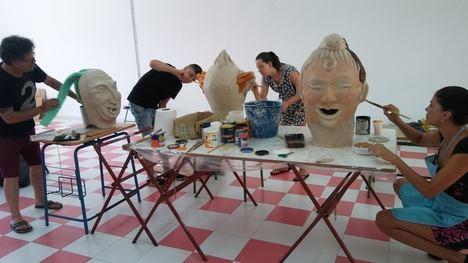 Medio centenar de jóvenes de Almócita y Santa Fé participan en los talleres artísticos impartidos por Diputación
