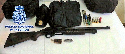 4 detenidos con 40 detenciones pillados con una escopeta robada