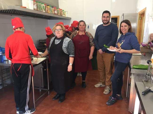 Más de 100 jóvenes participan esta Navidad en los talleres de ocio 'Tabernas Go'