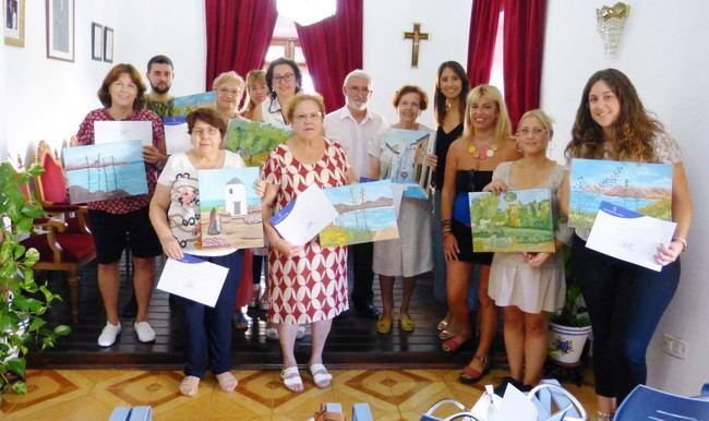 Mujeres de Canjáyar se forman en pintura a través del Taller Carmen de Burgos de Diputación