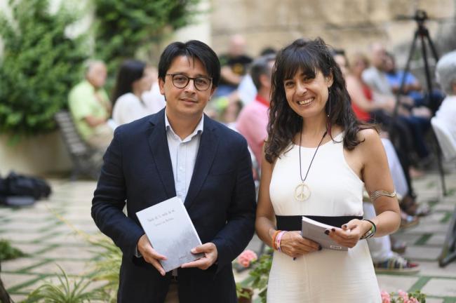 Teresa Lao Martínez llena de poesía el Patio del Mandarino