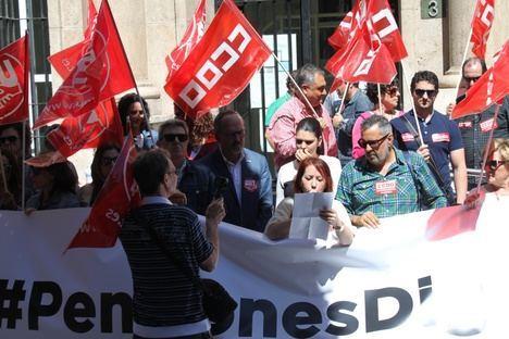 UGT y CCOO protestan por las pensiones