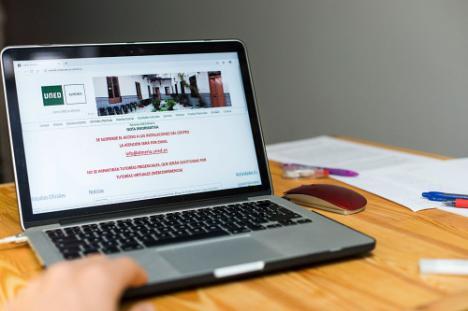 UNED Almería realiza casi mil tutorías virtuales durante el estado de alarma