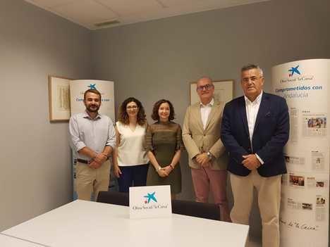 Alhambra Nievas se convierte en patrona de honor de la 'Fundación URA Clan'