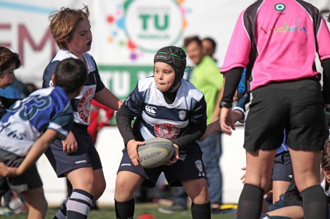 Medio millar de 'gigantes' demuestran qué pequeño es el salto hacia el rugby