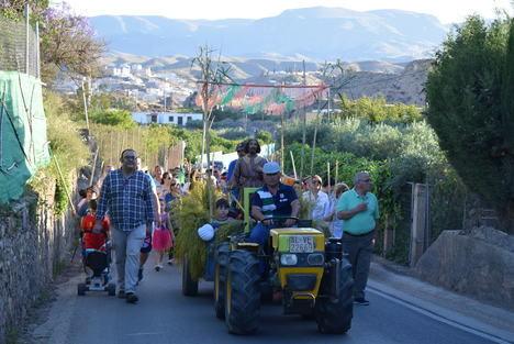 Cientos de gadorenses participan en la romería popular en honor a San Isidro