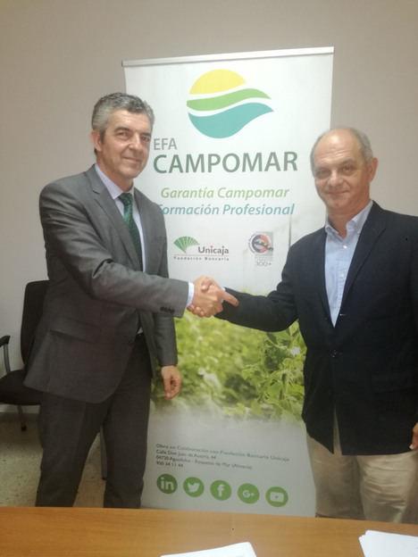 Unicaja Banco apuesta por la formación y los nuevos proyectos de agricultores de Almería a través de la Escuela Campomar