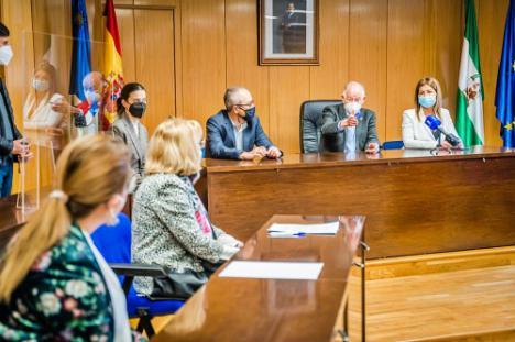 Firmada con Roquehogar la gestión de la residencia de mayores