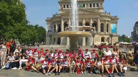 Quince jóvenes nijareños viajan a Weilbach para devolver la visita del equipo alemán