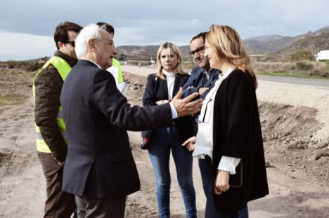 Fomento arregla en Níjar el acceso a Campohermoso por La Granatilla