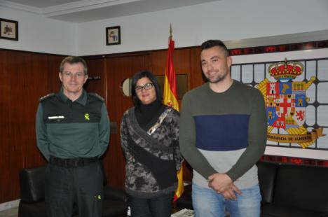 La Alcaldesa de Chirivel visita la Comandancia de la Guardia Civil en Almería