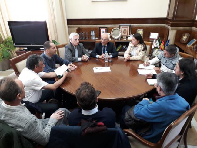 Reunión entre el subdelegado del Gobierno y representantes de la Comisión Ejecutiva Colombiana