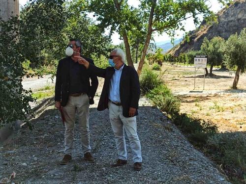 El subdelegado visita Armuña, Serón y Alcóntar al cumplirse el año de la DANA