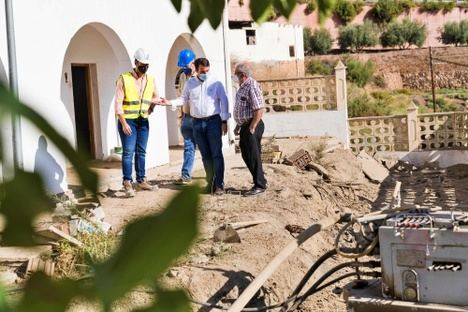 Diputación refuerza el muro que protege la carretera de acceso norte de Canjáyar