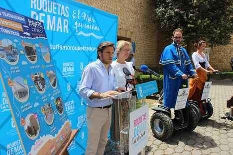 Siete rutas teatralizadas y dos espectáculos turísticos para unir historia y modernidad en Roquetas este verano