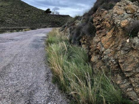 Diputación garantiza la seguridad del acceso al Punto Limpio de Carboneras