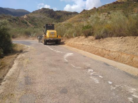El Plan de Caminos de Diputación mejora tres caminos en Tíjola