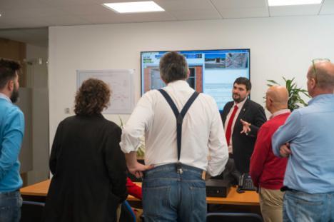 Ayuntamiento de Roquetas e Hidralia ayudan a familias, autónomos y empresas