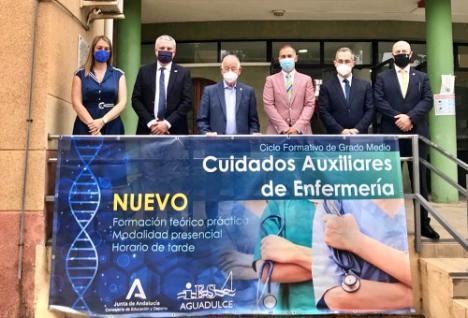 Los delegados de Educación y Salud en las 'Jornadas del Medioambiente y la Salud' del IES Aguadulce