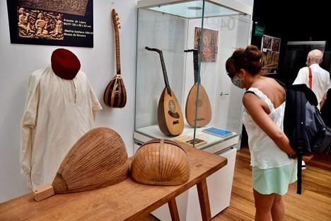 El Museo de la Guitarra explica en una exposición la relación del laúd árabe con Andalucía