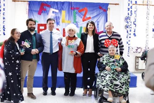 Diputación acerca el Carnaval a los usuarios de la Residencia Asistida