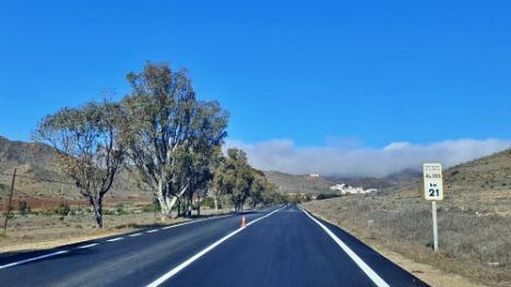 Diputación mejora dos carreteras de Níjar que son entrada al Parque Natural