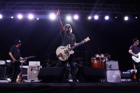 Rock y pura adrenalina con 'La Frontera' y 'Danza Invisible' en Playa Serena II