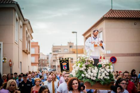 La Cañaílla se despide las fiestas con la procesión de San Cayetano